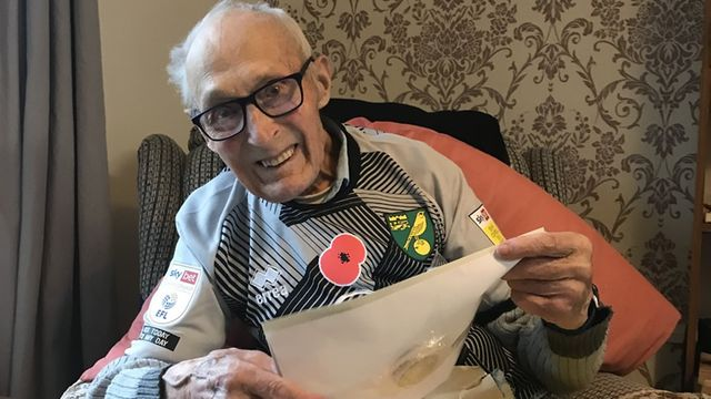 Tributes have been paid to a war veteran who moved a nation when he shared his story of loneliness