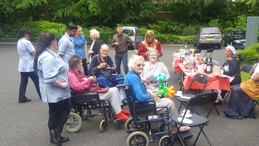 The Mayor of Knutsford, Neil Forbes, opened a Victorian fair and street party at the town's Sharston House nursing home.