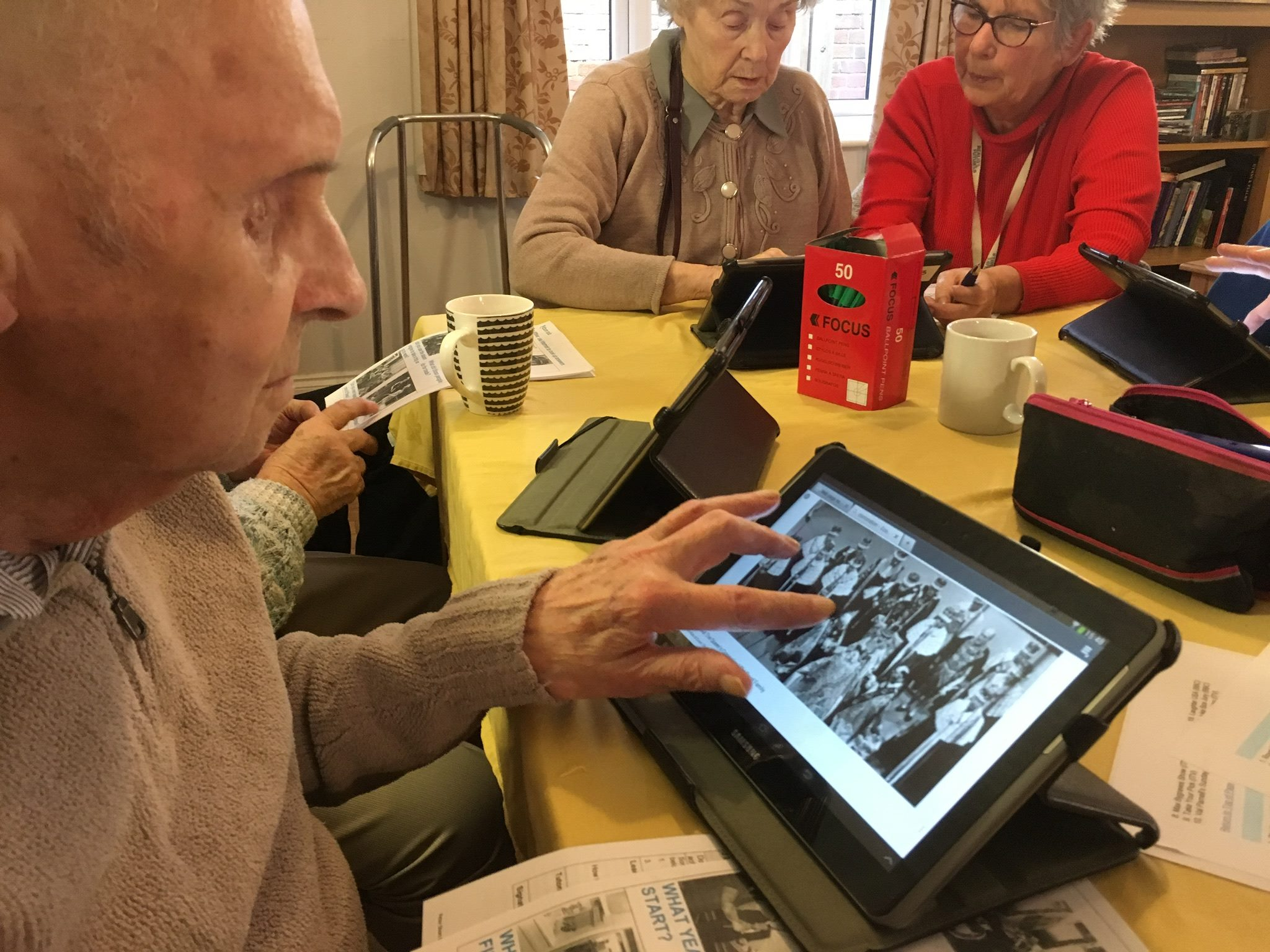 Spring Lodge residents join smart device age!