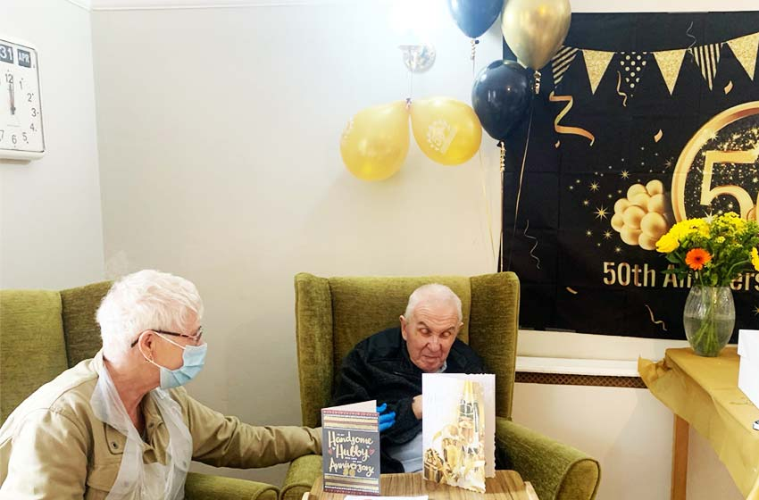 Couple celebrate Golden Wedding at St Clements