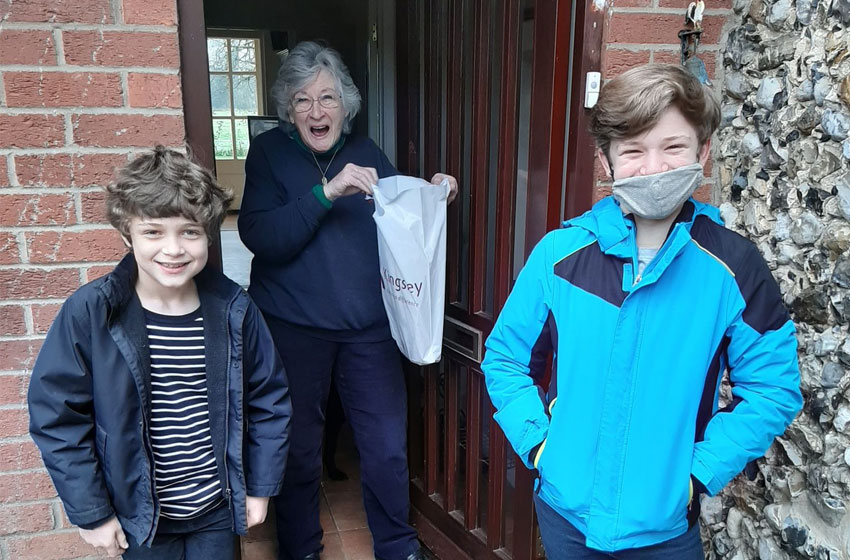 Brothers help Thorp House wellbeing coordinator spread kindness in the community