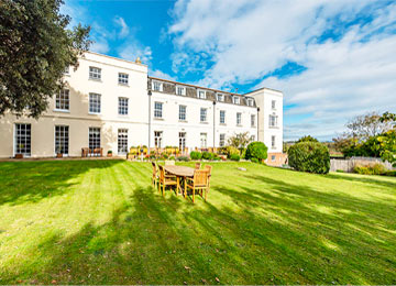 luxury accommodation at Queen Charlotte Nursing Home