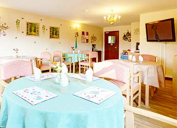 personal care & beauty treatments at Heron Lodge Nursing Home