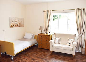 luxury accommodation at Oaklands Residential Care Home