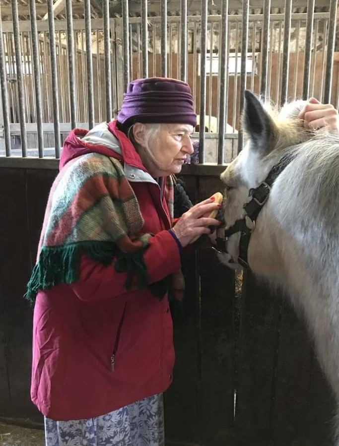 We made the wish come true of resident Gill, from Thorp House Care Home, by arranging a visit to a local stables.