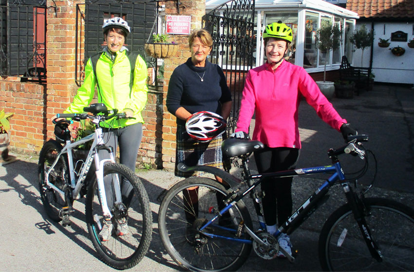 Caring Hikers and Bikers of Allonsfield House set off on charity road