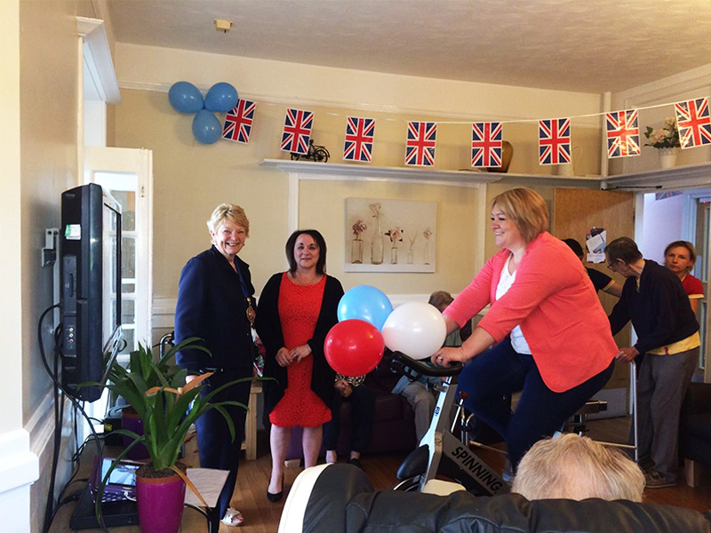 A charity spin-a-thon at Highcliffe Nursing Home raised more than £400 for the Alzheimer's Society
