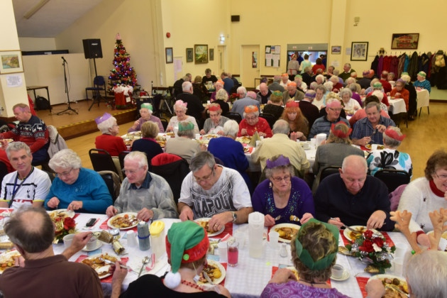 Diners Given A Festive Treat At Lowestoft Clubs Christmas Meal
